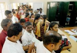 வெளுத்து வாங்கும் கல்வி வியாபார சீசன்